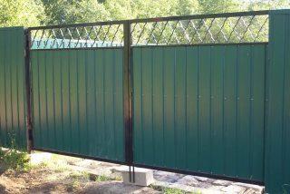 Фото процесса производства Распашные ворота для дачи в Екатеринбурге