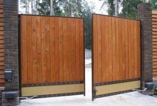 Фото процесса производства Деревянные распашные ворота в Екатеринбурге