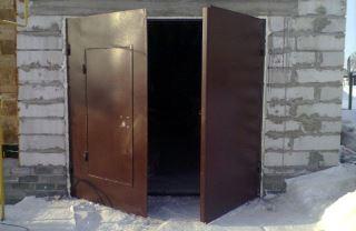 Гаражные распашные ворота в Екатеринбурге