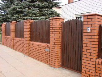 Кирпичный забор под ключ в Екатеринбурге